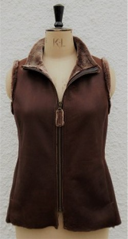 Jan Sheepskin Gilet in Conker