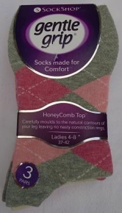 Ladies gentle grip argyle pattern socks pinks