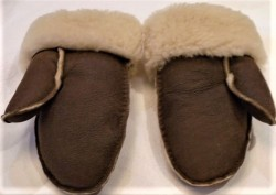 Mid brown with cream wool
