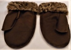 Mid brown with brown tipped wool